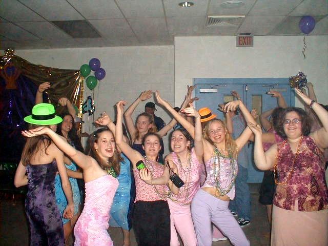 Svhs spring dance svhs shenandoah pa 03 29 2003 dj ray part 3 for Spring dance decorations